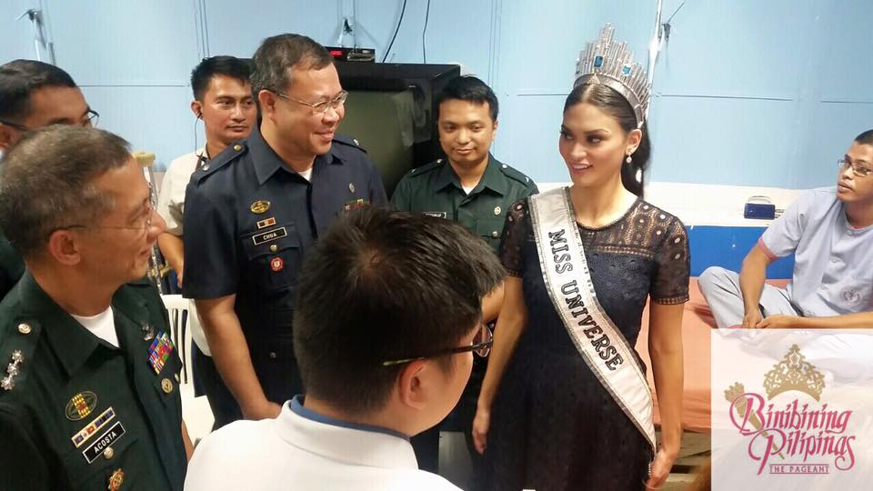 Miss Universe Pia Wurtzbach visits wounded soldiers