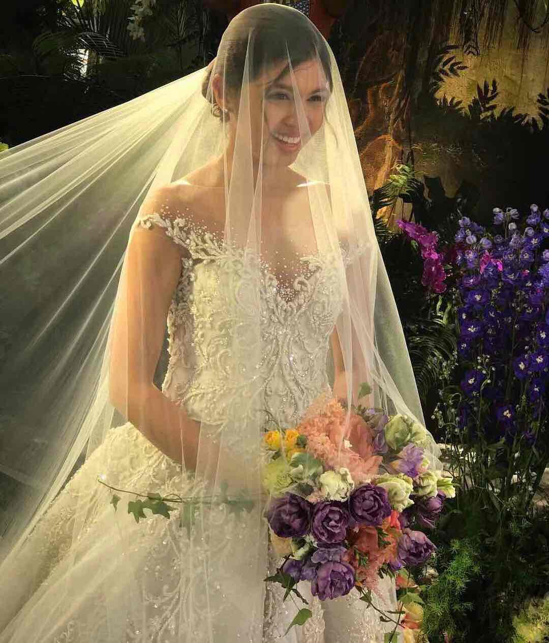 Maine Mendoza in a wedding dress